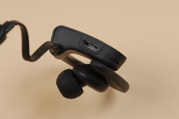 http://www.wirelessearbuds.best/product/apple-airpods-pro-a-complete-review/