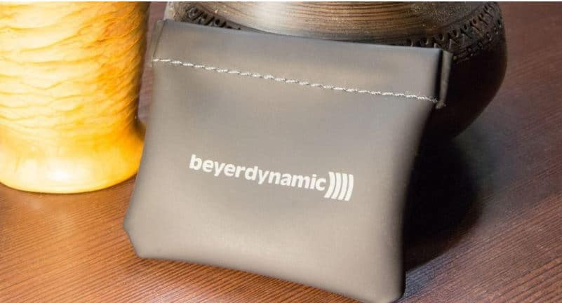 Beyerdynamic Byron BT Wireless Earbuds pouch